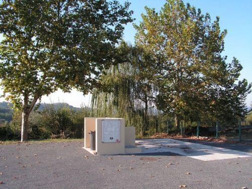 Aire de vidange de camping car et aire naturelle de camping
